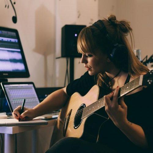آکادمی رشد : کسب درآمد از اینترنت با آموزش موسیقی